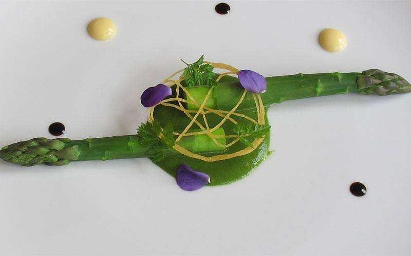 green-asparagus